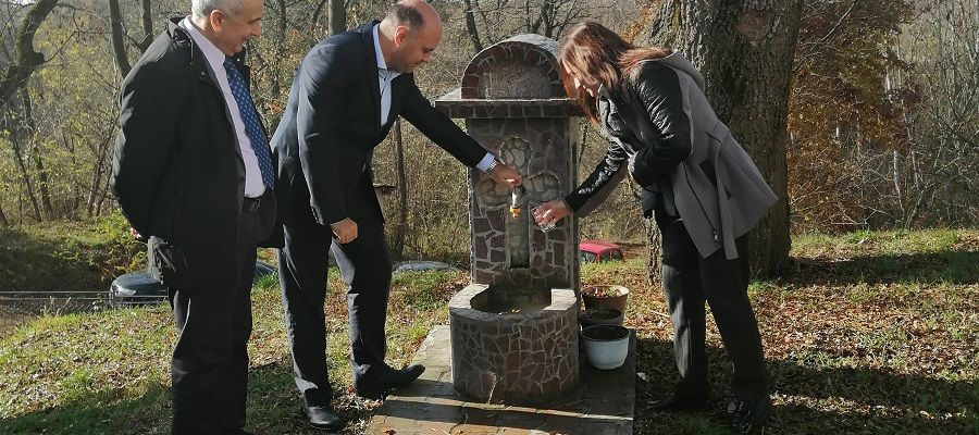 THE SETTLEMENT OF KAMENARE RECEIVED WATER FROM WATER SYSTEM